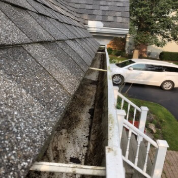 Porfessional Gutter Cleaning Services Near Cleveland Ohio